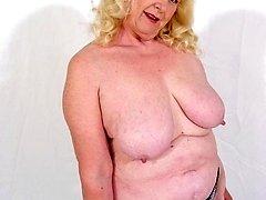 big titted older women plumper posing nude