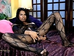 Hot Malena plays with her ass & dick