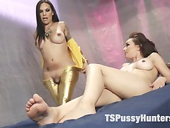 Ts Foxy has been watching Cytherea for years; watching her squirt and cum. She finally has Cytherea in her trap, wrapped up and bound to an examination table. Foxy will experiement with the earthling and give her an Orgasm that is out of this world. Cytherea is fingered, vibed fucked and foot fucked until she cums over and over leaving puddles of fuel for Foxy's space ship. Foxy sends Cytherea back to Earth with something to remember her by; a hot load of cum, nutted deep into her pussy.Foot job, blow job, fingering, squirting orgasms, cream pie and aliens with tits and cock!!