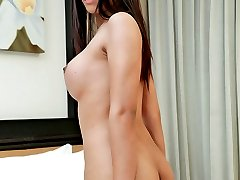 Horny Thai ladyboy wanks out of control