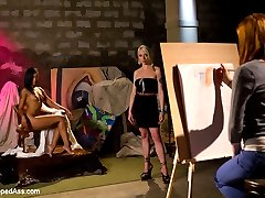 Violet Monroe attends a drawing class at her art college and realizes that her eccentric lesbian...
