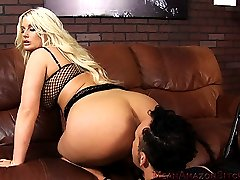Mean Amazon Bitches.com Where Voluptuous round women smother helpless little wimps into submission featuring Amazon Julie Cash