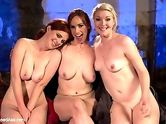 Penny Pax and Ella Nova get stuck in customs on their way back from a whirlwind trip to Panama....