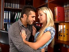 Nylon-crazy boss fucks his pantyhosed secretary after signing some papers