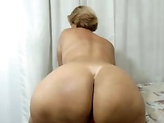 Latin Mom with a Huge ass