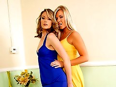 Mature lesbians goes muff diving on a blond teen