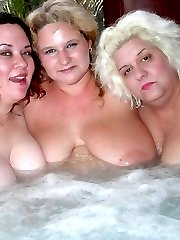 Three fat arses in the tub