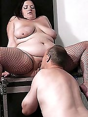 Guy gets backstage only after dicking a hot BBW bouncer hard right there