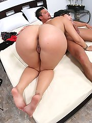 Dark haired babe rides her big ass up and down a thick dick