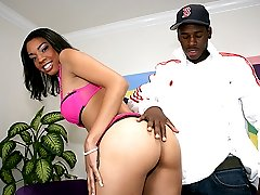 Hot ebony teen gets into some backdoor boffing