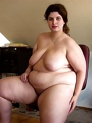 BBW wife flashing her heavy tits set