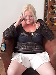 Hot blonde fattie with piercing and tats fucks service guy fixing her sex toy