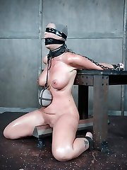 Syren De Mar needs to be disciplined? She's not even sure what she's being punished for, but that doesn't matter to us, because we get to reap the benefits of her bad demeanour.