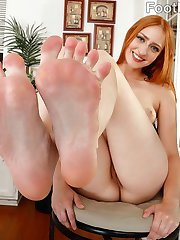 Rococo loves having her feet sucked. Her man is more than willing to put her feet all over his...