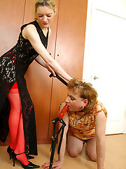 Voluptuous chick with enormous string-on fucking a sissy guy in from the rear