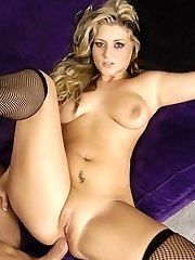 Blonde babe Bailey gives her man a taste of her phat tits elation and got herself gooed and romped