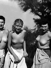 Several vintage girls nude