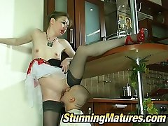 Voluptuous mature chick getting kicks from muff-licking and wild fucking