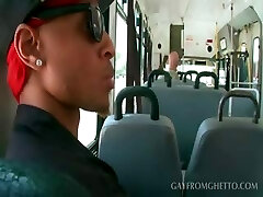 White gay stud gives blowjob to super-sexy afro in bus