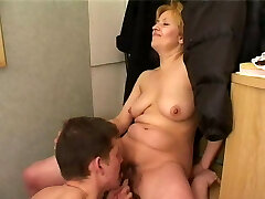 Boy boinks mature mom