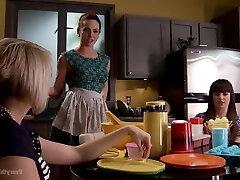 Dana Dearmond, Kate England And Darling Danika In Lezzie Fetish