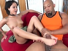 Mia Austin Receives a Foot Worshipping and Pussy Pounding