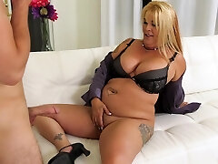 Mom's best friend Joclyn Stone gives a good blowjob and rides a spear