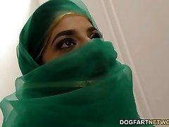 Nadia Ali having fun with dark-hued chisel in a gloryhole