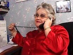 BBW grannie sucks and humps in stockings