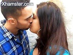 الهندي البريطاني زوجين التقبيل - الأفلام من Arxhamster