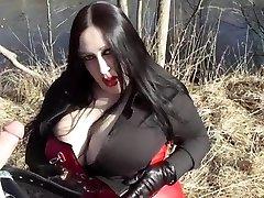 Biz Diva Blowing Outdoor - Spunk In Her Face