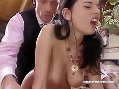 Trampy Maif Amanda Helps her Boss Relax