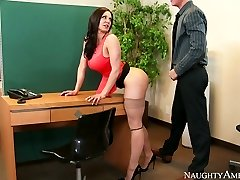 Nasty assistant with big bumpers Kendra Lust romped on the table by Richie Black