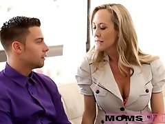 Mommy eats stepdaughters creampie pussy