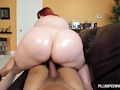 Enormous Booty Red-haired PAWG MILF Marcy Diamond Shoots POV