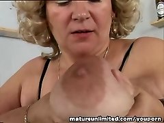 Fun Bags and pussy mature solo