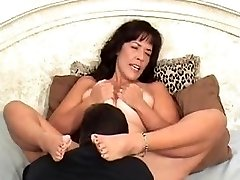 Eating pussy to orgasm