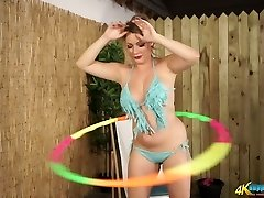 Busty MILF Penny L hula hooping fully naked