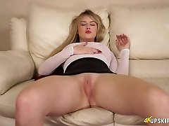Cute superslut with obese booty Brook is dreaming of your hard dick