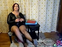 Sexy Mature Bbw Try On Naughty Halloween Costumes and High-heeled Shoes