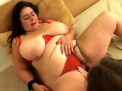 Fat bitch heads down on girl