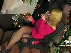 Anal date with buxom platinum-blonde Russian woman