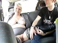 وقال إنه يشارك زوجته Murielle في الهواء الطلق تحول جنسي