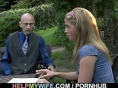 He drills hot wife from behind