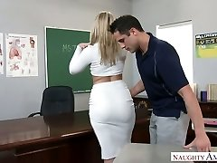 Extremely sexy massive racked blonde professor was smashed right on the table
