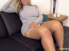 UK Milf with blond hair Kellie OBrian is always prepped to demonstrate bum