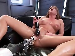 Ariel X�s Ideal Bod And Fuck Machines