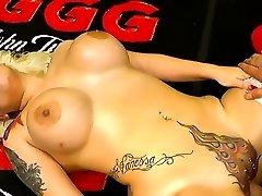 Tattooed tramp with piercings luvs gangbang orgies