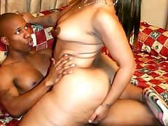 Black plumper Niko Starr gives us an amazing view of her big ass while she rides cowgirl