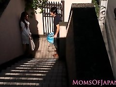 Japanese mommy cheats and gets face boinked
